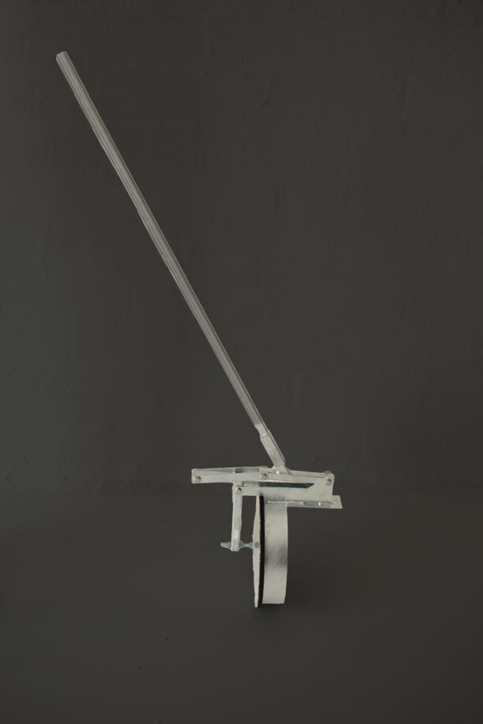 Bay plugger with removeable handle